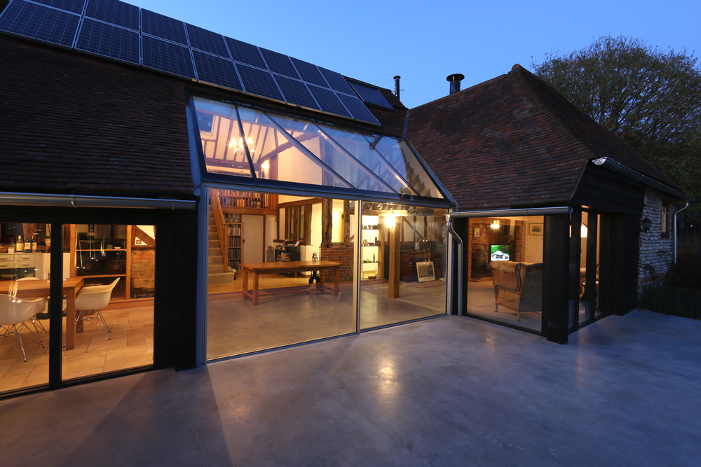 Contemporary garden room & glass link